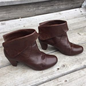 Frye Lisa shortie boot brown size 7